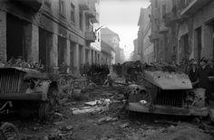 Κατεστραμμένη αυτοκίνητα στη Βουδαπέστη