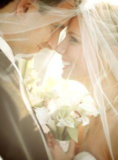 To pa hočem tudi jaz! <3 Perfektna slika <3 44. The Look - 44 #Amazing Wedding Photography #Ideas to Copy ... → Wedding #Wedding