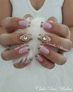 As melhores unhas decoradas para noivas unhas francesinhas decoradas para noivas, unhas francesinhas com pedrinhas Pink Nail Art, Cool Nail Art, Cute Nails, Pretty Nails, Hair And Nails, My Nails, Nailart, Nail Designer, Nails Only