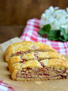 Tiroler Strudel // Tyrolean short pastry strudel with red currant jam // Typically Austrian taste // Baking Barbarine Short Pastry, Buzzfeed Tasty, Austrian Recipes, Food Items, Banana Bread, Food And Drink, Favorite Recipes, Sweets, Baking