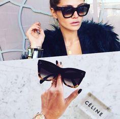 Um belo Céline para acompanhar esse finalzinho de tarde!! #oticaswanny #wannynews #diadasmaes #celine