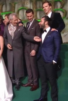 Aidan Turner brings all the dwarves to the yard...and wizards.