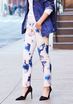 We're obsessed with this watercolor floral print range this season! Pair these printed pants with a textured sweater and denim jacket for a stand out street style | Banana Republic