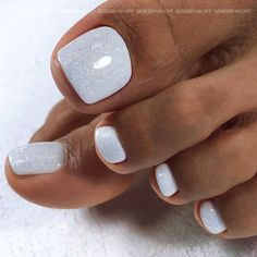 Toe Nail Designs To Keep Up With Trends ★ Toe Nails White, Gel Toe Nails, Pretty Toe Nails, Feet Nails, Fancy Nails, Toe Nail Art, White Nail, White Toenail Designs, Toe Nail Flower Designs