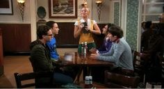 The Big Bang Theory: How can Penny, who works as a waitress, afford to drink wine every day? http://www.shenhuifu.org/2017/01/06/about-penny-income/ #TheBigBangTheory #Penny