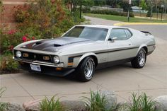 1971 FORD MUSTANG BOSS 351 Ford Mustang 1967, Ford Mustang Fastback, Mustang Cars, Shelby Gt500, Barrett Jackson Auction, Ford Classic Cars, Ford Fairlane, Pony Car, New Trucks