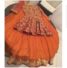 →We Deals In Replica's Of Designer Wears👗 Made To measure, Colour, Design And Material Can Be Changed For Order Contact us on Whatsapp or viber at Pakistani Wedding Outfits, Indian Bridal Outfits, Pakistani Wedding Dresses, Winter Wedding Outfits, Pakistani Mehndi Dress, Pakistani Dress Design, Red Lehenga, Lehenga Choli, Anarkali