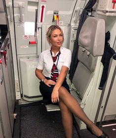 Go and check out gorgeous ❤️❤️ British Airways Cabin Crew, Flight Attendant Hot, Flight Girls, Female Pilot, Gorgeous Women, Beautiful, Pantyhose Outfits, Rock Outfits, Nice Legs