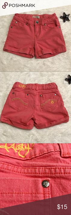 🎣 Girls Rusty Shorts 🎣 Girls Rusty Shorts   Girls 14  Color: Salmon   Inseam about 3 inches.   The rivets on them show the logo symbol   No Trades   # 210 Rusty Bottoms Shorts