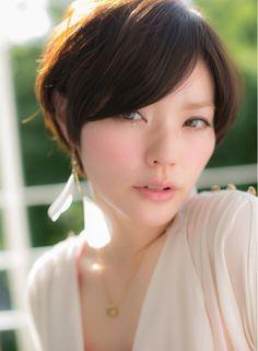 女子度高めな耳かけボブ 【Euphoria 銀座中央通り】 http://beautynavi.woman.excite.co.jp/salon/25535?pint ≪ #shorthair #shortstyle #shorthairstyle #hairstyle・ショート・ヘアスタイル・髪形・髪型≫