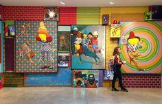 Com a proposta de oferecer uma experiência multissensorial, a mostra Silence of the Music - osgemeos ocupou cinco salas da galeria Lehmann Maupin em NY.