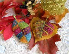 http://fiberluscious.blogspot.com/2012/10/tutorial-autumns-inspiration-leaf-brooch.html