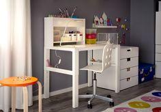 PÅHL bureau met opbouwdeel | #nieuw #IKEA #IKEAnl #inspiratie #kinderkamer #bureau #verstelbaar #meegroeien #werkplek #studeren #school #tekenen #kleuren #spelen