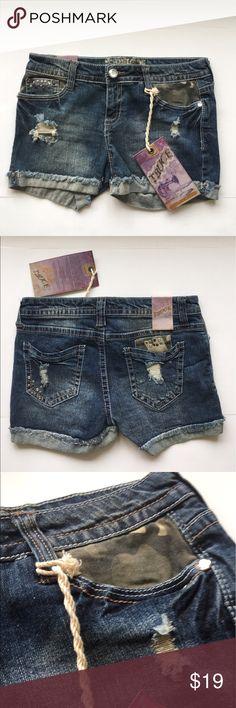 """NEW! TRUCE """"JENNA"""" JEAN SHORTS, SZ 7 NEW WITH TAGS! TRUCE """"JENNA"""" DISTRESSED AND CAMO DENIM SHORTS, SZ 7 TRUCE Shorts Jean Shorts"""