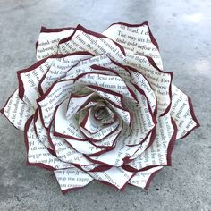 Book Page Rose - 3 or 5 inch Paper Book Flowers - Choose Tip Your Color Each rose is handmade petal by petal out of pages from a hardback book. Choose natural or add a color to the tips. Old Book Crafts, Book Page Crafts, Book Page Art, Book Pages, Book Art, Paper Flowers Craft, Paper Flowers Wedding, Flower Crafts, Diy Flowers