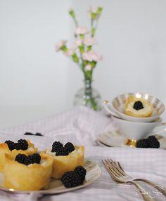 Cheesecaketörtchen mit Brombeeren