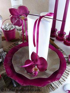 N'hésitez pas à décorer votre table d' #orchidees #ming.  http://www.decodefete.com/orchidees-ming-fushia-coeur-ivoire-p-2352.html