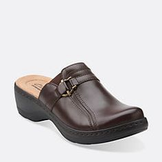 Hayla Marina Brown Leather - Clogs for Women - Clarks® Shoes I'll be getting these ASAP. Classic Leather, Brown Leather, Lolita Shoes, Wide Width Shoes, Clogs Shoes, Leather Clogs, Clarks, My Style, Boots