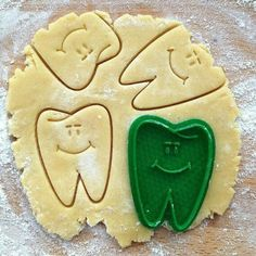 Know someone with a #sweettooth ? ____________ Tag your  friends  so they can see Love  dentistry? Follow! ____________ #dentistry #odonto #dentist #dentista #dental #dentistrylife #dentalassistant #teeth #dentalsurgery #odontolove #enamel #hygiene #dentalschool #dentalhygienist #odontologia #dentes #instadentist #dentalhumor #anatomy #dentalgram #instateeth #dentalnurse #dentalphotogaphy  #teethfaq #baking #cute #smile #cookies  source:  Check out the fun free tooth crushing game I made…