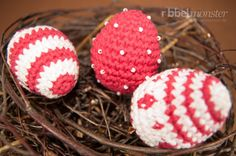 gemusterte Ostereier häkeln Easter Crochet Patterns, Knitting Patterns, Holiday Crafts, Holiday Decor, Stamping Up, Happy Easter, Easter Eggs, Diy And Crafts, Yarn Crafts