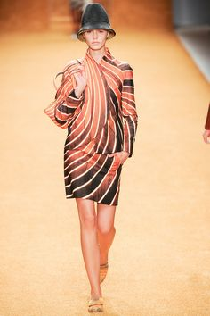 Akris | Spring 2014 Ready-to-Wear Collection | Style.com