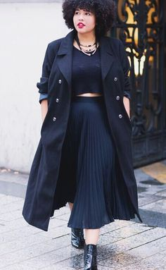 Classy and chic by the red carpet of the 2018 Simple and basic tips that will make your clothes look elegant, expensive, and high-fashion. Source by culturacolectiva girl fashion Curvy Girl Outfits, Curvy Girl Fashion, Chic Outfits, Fashion Outfits, Inspired Outfits, Plus Size Fashion For Women, Black Women Fashion, High Fashion, Womens Fashion