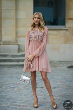 Paris Fashion Week Fall 2017 #StreetStyle: Elena Perminova before the Dior show