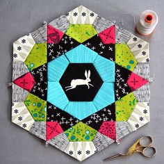 """Sizzix Quilting on Instagram: """"Interested in English Paper Piecing? Not sure where to start? Check out our step-by-step tutorial for starting a Rose Star – link in profile! #sizzixquilting # #sizzix"""""""