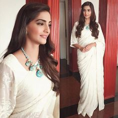 Sonam Kapoor in White Embroidery Saree At Prem Ratan Dhan Payo Promotions Indian Attire, Indian Wear, Saris, Indian Dresses, Indian Outfits, Prem Ratan Dhan Payo, Rhea Kapoor, Saree Hairstyles, Sonam Kapoor Hairstyles