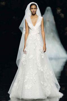 AMORE (Beauty + Fashion): ♥ WEDDING BELL WEDNESDAY ♥ - Elie Saab (Barcelona Bridal Week 2012)