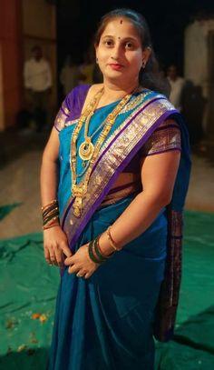 Beautiful Girl Indian, Most Beautiful Indian Actress, Saree Poses, Aunty In Saree, Saree Jewellery, Desi Bhabi, India People, Chiffon Saree, Indian Beauty Saree