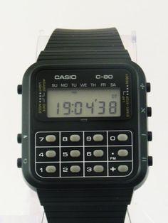 El reloj calculadora, un clásico de muñeca prohibido en los exámenes de mates.