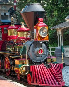 Daily Disneyland: Railroad train coming into the New Orleans Square depot Blog http://mickeyphotosdisneyland.blogspot.com