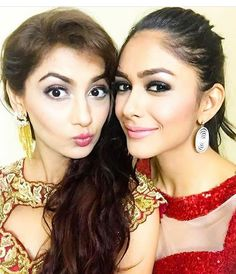 Sriti Jha and Mrunal Thakur at an event for Kumkum Bhagya Sriti Jha, Bollywood, Disney Princess Fashion, Sis Loves, Tashan E Ishq, Pakistan Wedding, Kumkum Bhagya, Most Beautiful Indian Actress, Princess Style