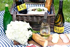 Cheers to Motherhood with this fun, thoughtful and easy Mother's Day idea ==> Mother's Day Picnic with JaM Butter Chardonnay  @JaMCellars  #SpreadTheLove, #JaMPartner, #ButterChardonnay, #mothersday #mothersdaygift