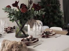 Balmuir has everything that you need for a beautifully decorated Christmas table. The St. Andrews linen napkins add some holiday spirit with the red and green Christmas hues.
