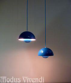 1.von2 Original blaue Emaille Verner Panton Louis Poulsen FlowerPot Lampe 60er | eBay Verner Panton Lamp, Pantone, Lighting Design, Flower Pots, Lamps, Ebay, Ceiling Lights, Home Decor, Home