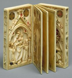 Booklet with Scenes of the Passion Date: carving ca. painting ca. Culture: North French (carving), Upper Rhenish (painting) Medium: Elephant ivory, polychromy, and gilt Medieval Books, Medieval Art, Le Morse, Gothic Art, Kirchen, Illuminated Manuscript, Religious Art, Antique Books, Bookbinding