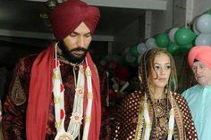 #BringGoa2UrTimeline Indian Cricketer Yuvraj Singh and Model-Actress Hazel Keech got married in Goa with a Hindu Ceremony, after their recent Gurudwara wedding in Chandigarh. India Test Captain Virat Kohli and Bollywood Actress Anushka Sharma were among the guests. #YuvrajSingh #HazelKeech #Virat Kohli #AnushkaSharma #TimelineGoa #Goa Photo Courtesy: News18.com