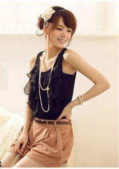 frilly sleeveless top (black)
