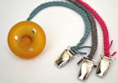 Schnullerbänder - Schnullerkette geflochten Velourleder Pink - ein Designerstück…