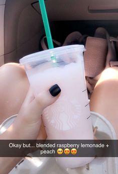 Bebidas Do Starbucks, Starbucks Hacks, Secret Starbucks Drinks, Starbucks Secret Menu Drinks, How To Order Starbucks, Starbucks Coffee, Fun Drinks, Yummy Drinks, Beverages