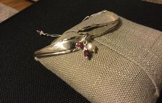 "Helen on Instagram: ""Up cycled vintage Sterling Silver bracelet 🥄  #upcycledjewellery #upcycledvintagejewelry #spoonbangles #vintagejewellery…"" Sterling Silver Bracelets, Vintage Jewelry, Bangles, Instagram, Bracelets, Vintage Jewellery, Bracelet, Cuff Bracelets, Vintage Jewelry Crafts"
