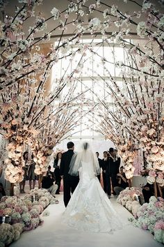 Stunning. Absolutely breath-taking aisle for a beautiful wedding.