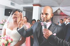 A #WeddingPlanner makes sure that the #bridal party sticks to the schedule! #AdrianneHarris