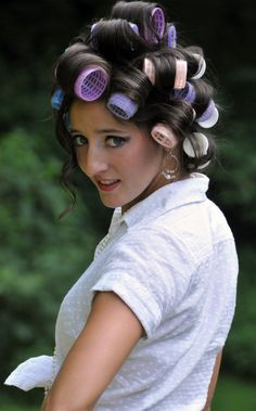 you've never seen a guy with his hair in rollers before ? Hair Curlers Rollers, Cute Girl Dresses, Hair Setting, Hair And Beauty Salon, Pin Curls, Hair Makeup, Makeup Tips, Models, Curled Hairstyles