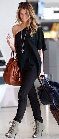 No tienes que combinar tus zapatos y tu bolso para lucir elegante