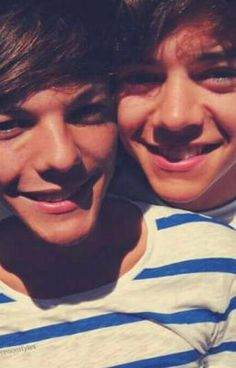 Harry Styles and louis Tomlinson Larry Stylinson - One Direction - Love Louis Y Harry, Louis Tomlinsom, Harry 1d, Larry Stylinson, Harry Styles, Harry Edward Styles, One Direction Pictures, I Love One Direction, Liam Payne
