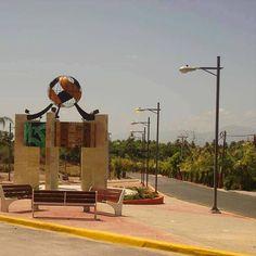 > Ese triste momento cuando vas saliendo de #VillaJaragua rumbo a los tapones de #SantoDomingo :'(