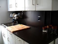 Painting over fugly laminate countertops - Thank you God for creative people who solve my problems!